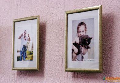 В фойе районной библиотеки открылась фотовыставка, приуроченная к Международному дню защиты детей