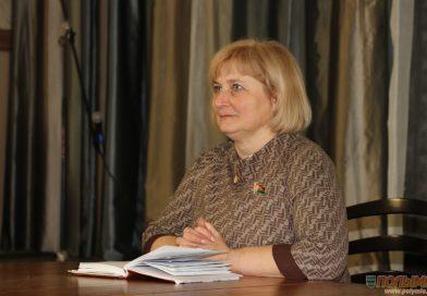 Парламентарий Эльвира Сороко провела открытый диалог «Единство. Развитие. Независимость» с учащимися Мирского государственного художественного профессионально-технического колледжа