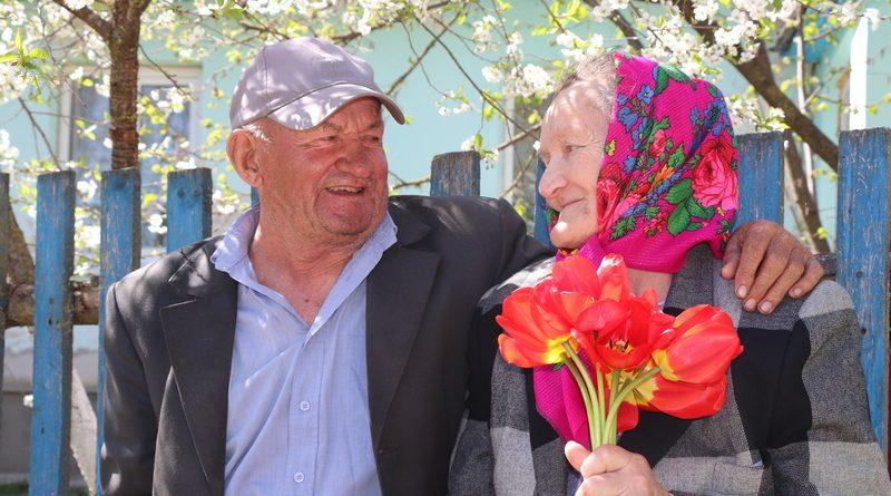 Николай Владимирович и Елизавета Ивановна Кохан из деревни Стрельники 54 года живут душа в душу