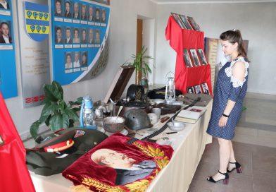 Выставка «Эхо войны» расположилась в фойе Кореличского райисполкома