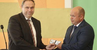 Нового руководителя Мостовского района представил председатель облисполкома Владимир Караник