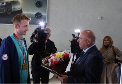 Он взял 5 золотых медалей на Паралимпиаде! | Пловец Игорь Бокий вернулся в Беларусь! Прямой эфир