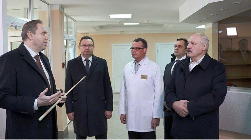 Александр Лукашенко пояснил, почему нельзя во время пандемии останавливать плановую помощь