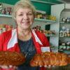 В магазине деревни Песочная год не было продавца. Учитель музыки из России Ирина Ивашевская стала за сельский прилавок