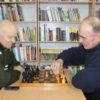 В Кореличской районной библиотеке состоялся турнир по шахматам и шашкам среди ветеранов и людей с инвалидностью