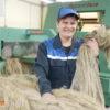 """ОАО """"Кореличи-Лен"""" экспортирует продукцию в Китай и Россию и радует гостей уникальной льняной куклой Ульяной"""